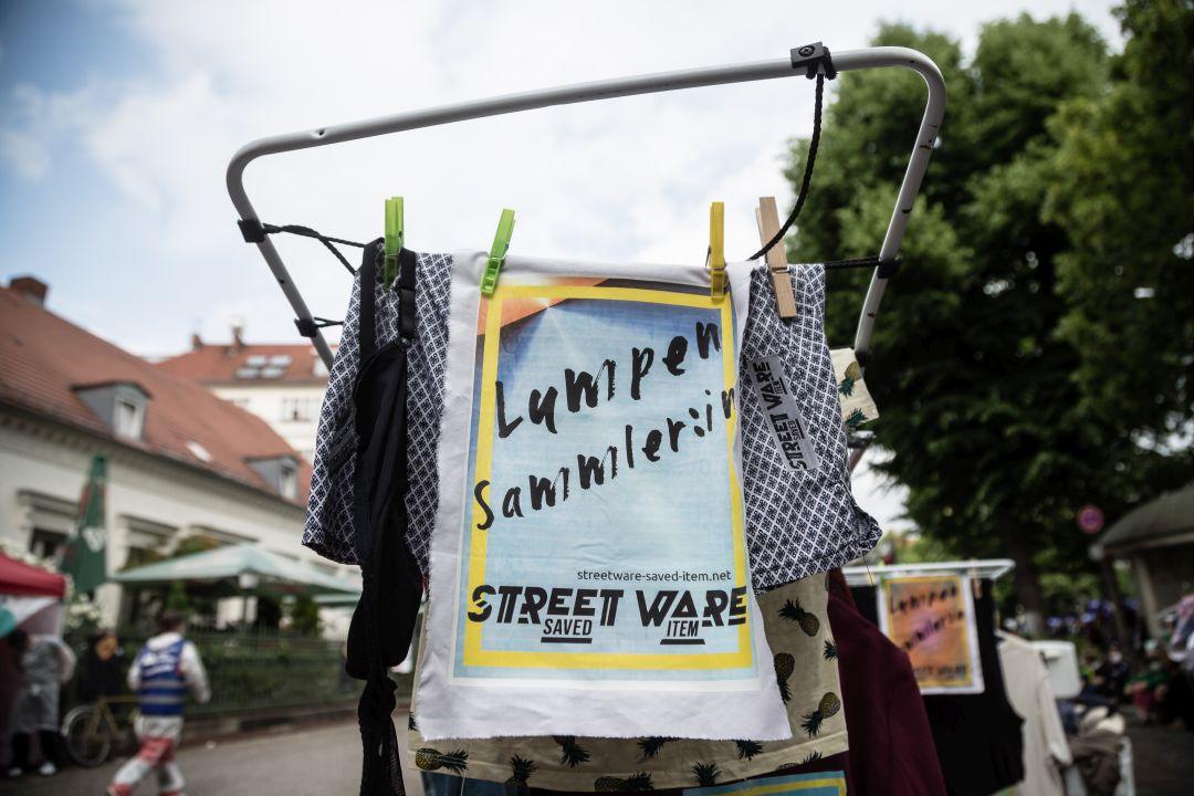 STREETWARE saved item - Karneval fuer die Zukunft