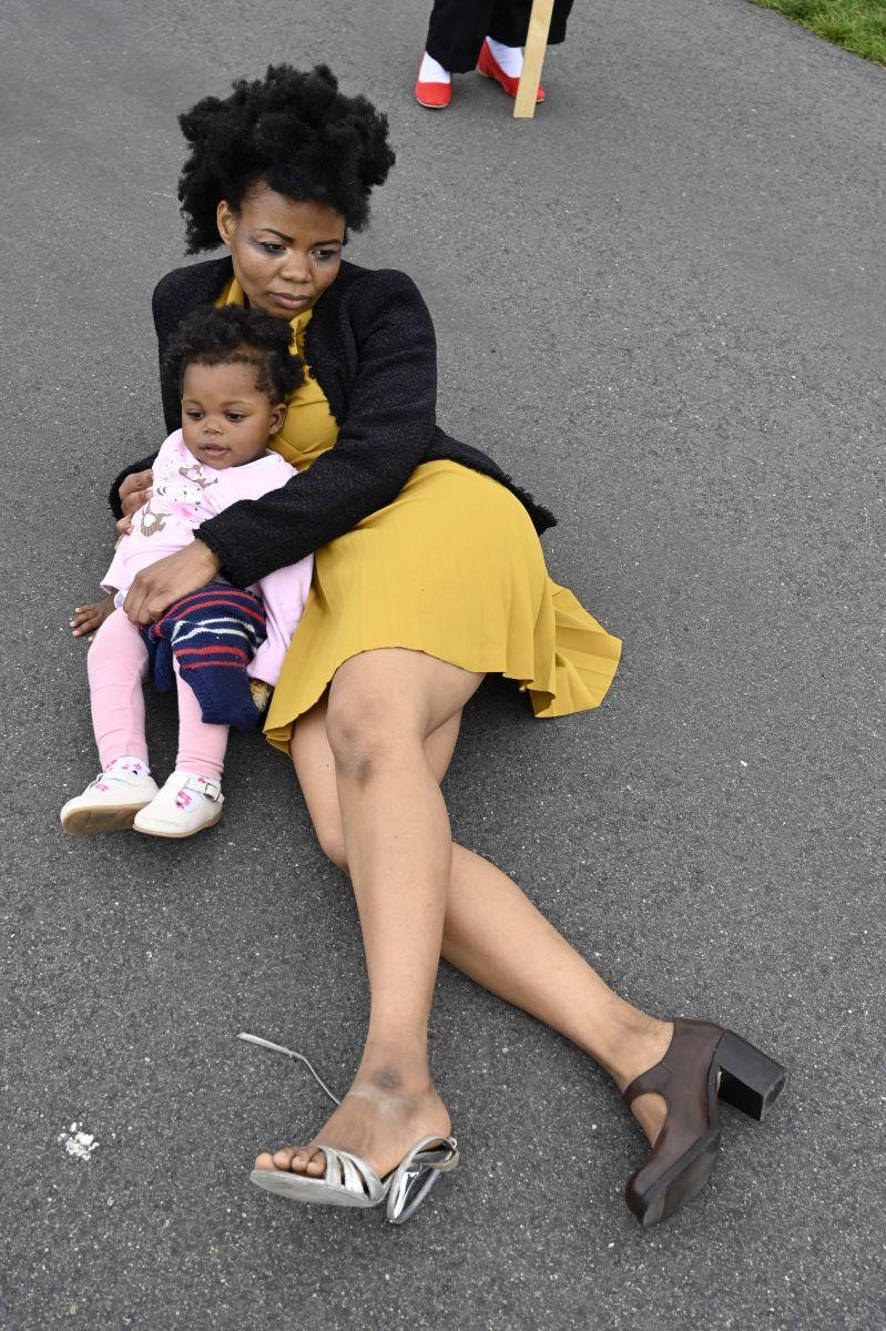 Sara Tivane & her daughter ©Anja Grabert